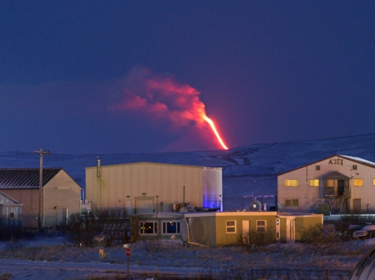 shishaldin-vulkaan-in-alaska-barst-uit-(code-rood)